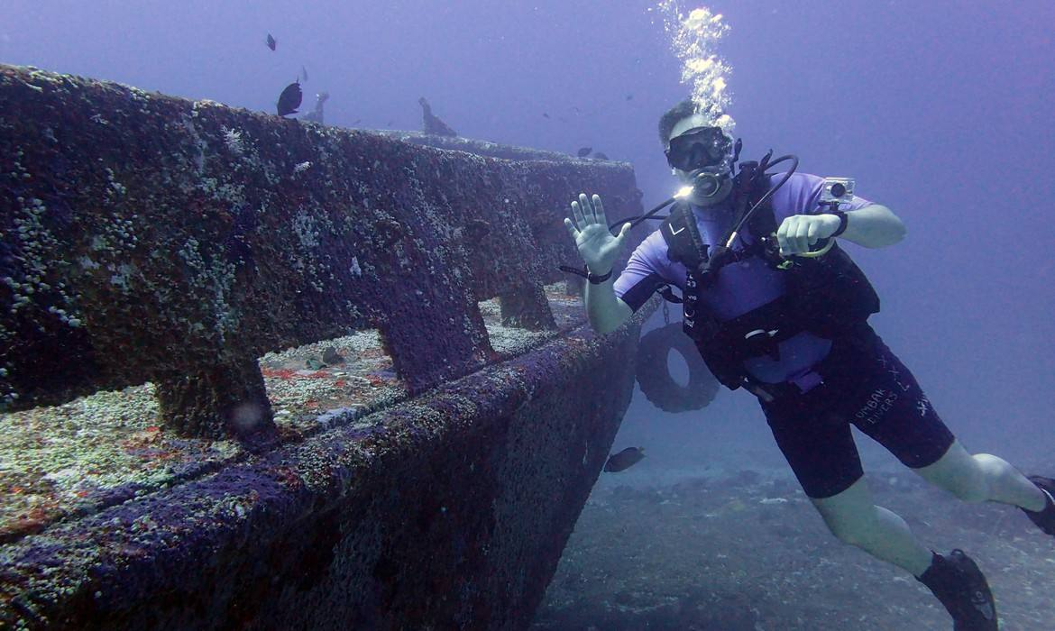 wreck dive in Indonesia, Lombok, Gili islands