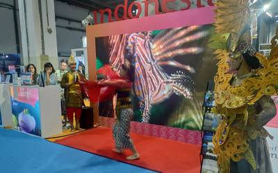 Indonesian dance during the dive expo
