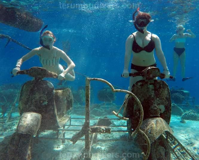 underwater scooters in gili trawangan